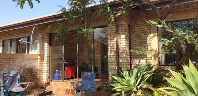 Property For Rent in Bergbron, Roodepoort