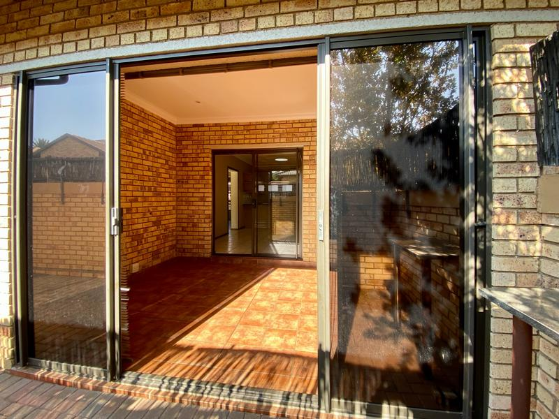 Property For Rent in Bergbron, Roodepoort 4