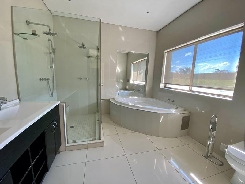 Property For Rent in Waterfall, Midrand 12