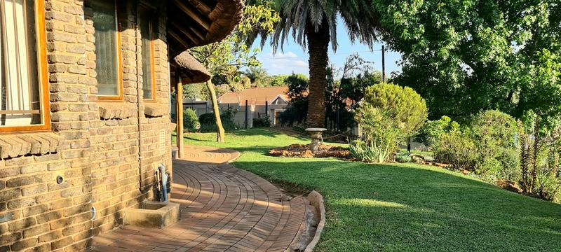 Property For Rent in Florida Glen, Roodepoort 13