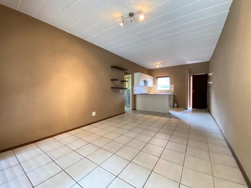 Property For Rent in Magaliessig, Sandton 3